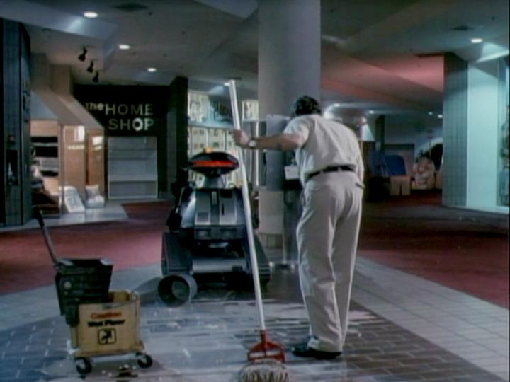 Chopping-mall-robot-janitor