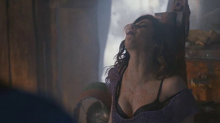 Ash-vs-evil-dead-episode5-Kelly-tied-up-boobs